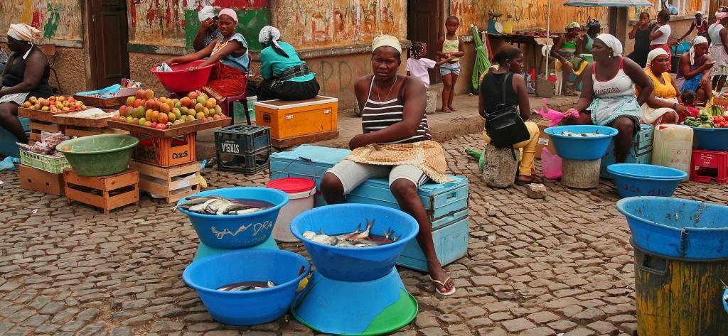 Cabo Verde mantiene la autenticidad de sus mercados y sus calles (Fotografía bajo licencia de Creative Commons).