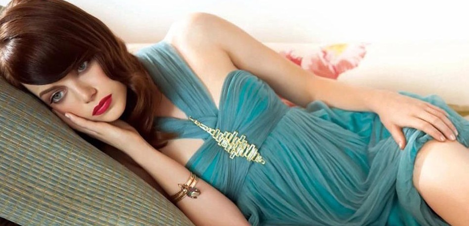 Emma Stone, la nueva musa que rememora el Hollywood dorado (Fotografía Facebook oficial de la actriz).