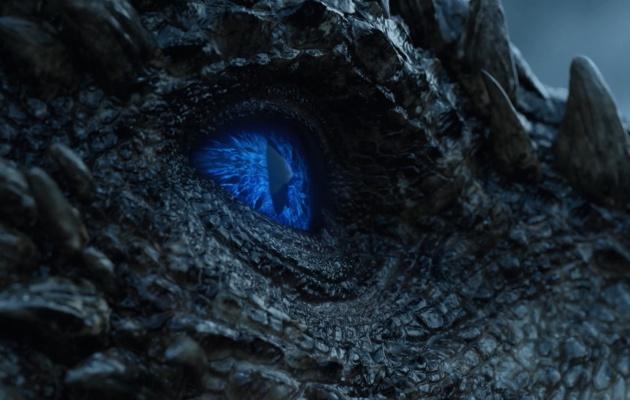 Azul y temible ojo del dragón Viserion, Hijo de Daenerys Targaryen. #JuegodeTronos7