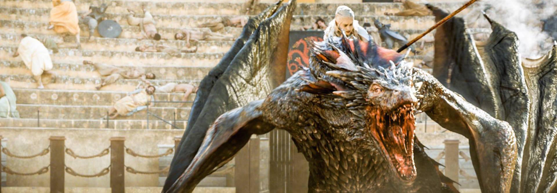 Drogon en pleno vuelo devastador...suspirando por otra gran batalla.
