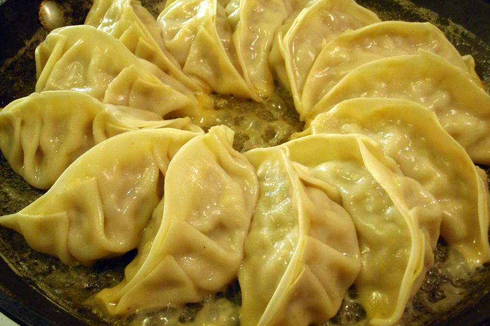 Empanadas Chinas o 'dumplings' para garantizar la suerte o F'u' en el Año Nuevo.