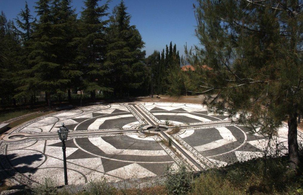 Plaza Federico García Lorca en Alfacar (Granada), el lugar donde murió el poeta.
