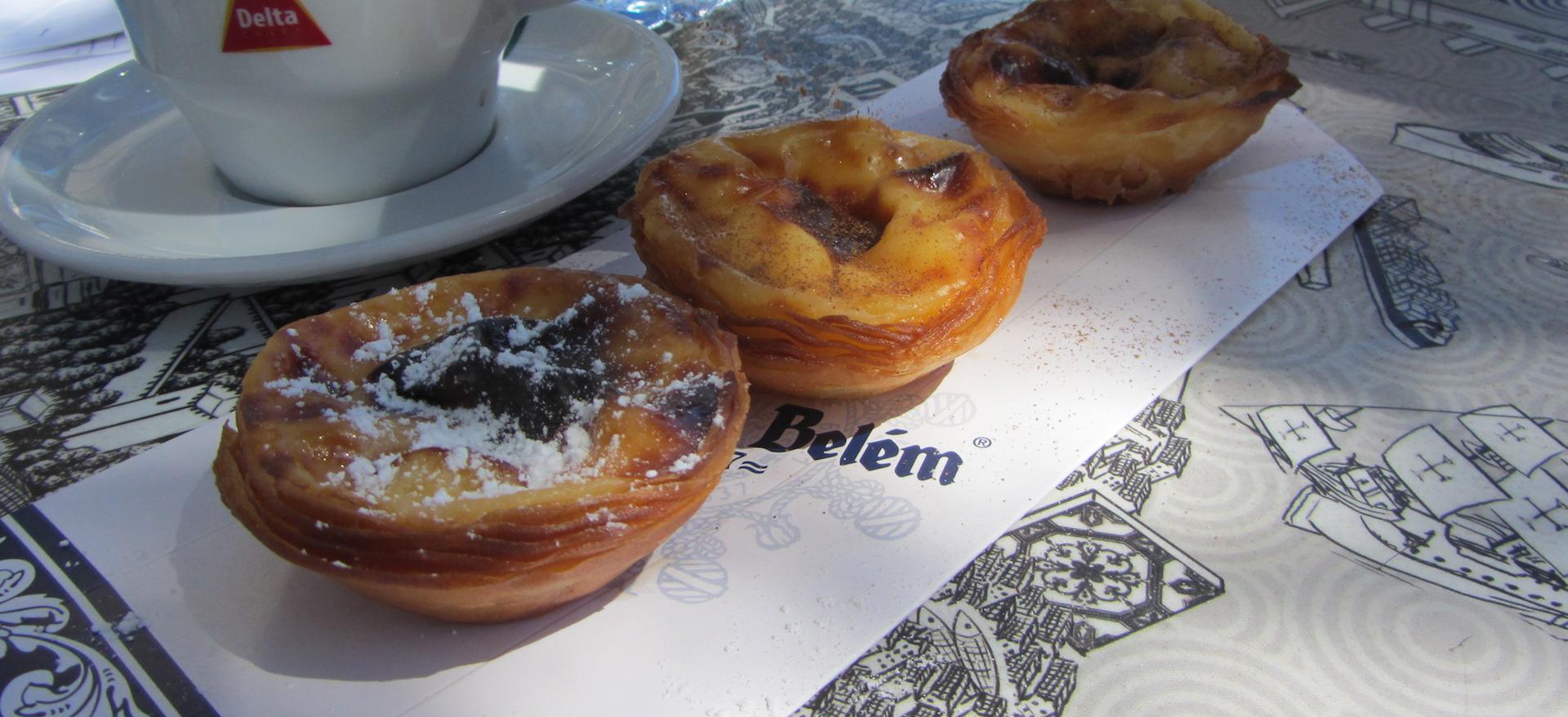 Si hay tres citas inquebrantables con Lisboa, sin duda, una de ellas es comer 'pasteis de nata' (Fotografía Espiral21).