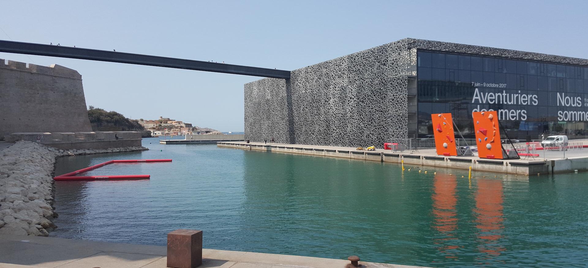 La moderna integración del Puerto en la ciudad de Marsella, con motivo de su capitalidad cultural en 2013, pasa por el MuCem (Fotografía Espiral 21).