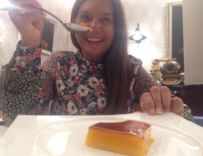 Otros de los atractivos de Sevilla pasa por su buen comer hasta en su repostería más tradicional, como el 'tocino de cielo' (Fotografía de la autora del reportaje para Espiral 21).