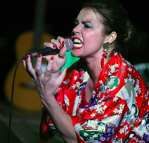 Esther Ovejero reinterpreta los momentos sonoros de la filmografía de Almodóvar.