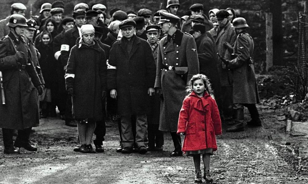 La Shoah ha sido llevada al cine. En la imagen, un fotograma de la 'Lista de Schindler' de Steven Spielberg, que refleja el drama del 'gueto' de Varsovia.